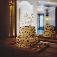 What a cake ! @thefaversham_weddings #wedding #weddings #weddingday #weddingcake #amazingcakes #leedswedding #yorkshirewedding #yorkshirebrides #yorkshireweddings #weddingday #weddingdetail #weddingphotography #weddingphotojournalism #weddingphotography #love #cake #favasham